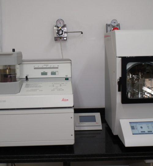 Metalizadoras (Leica), possibilitam o recobrimento de amostras não  condutoras.