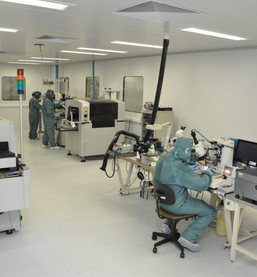 Laboratório de empacotamento e integração de sistemas do CTI-Nano